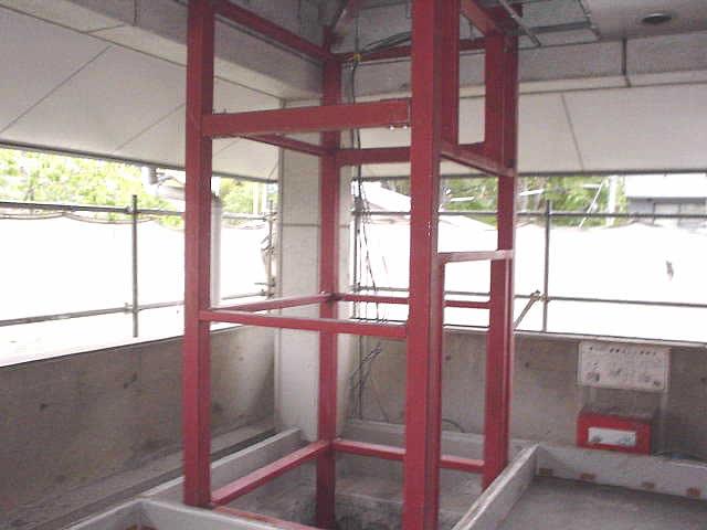 エレベーターシャフト用鉄骨の全体写真