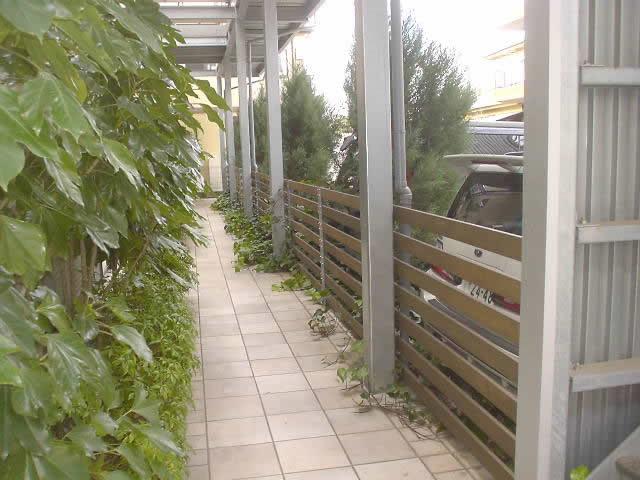 地上廊下部と2階廊下鉄柱