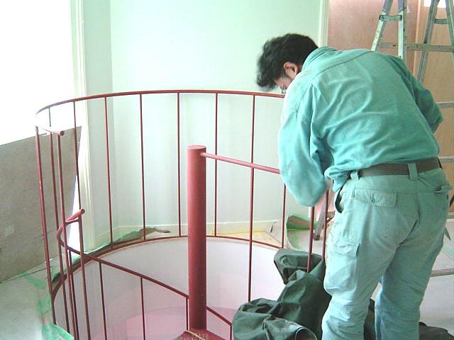 階段周りの手摺を取り付け