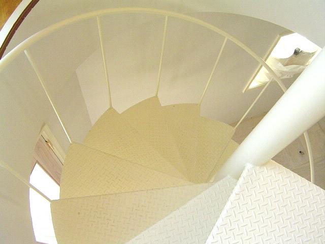 上から見下ろした螺旋階段