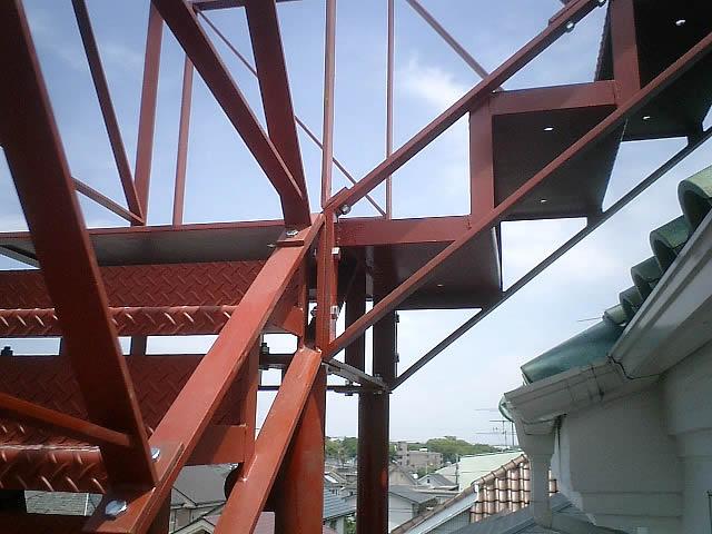 階段の段板(ステップ)チェッカープレート