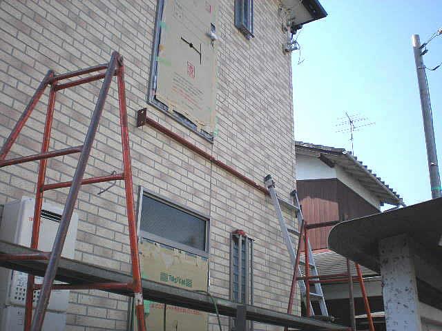 アパートの階段鉄骨工事