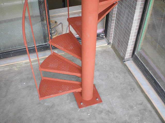 螺旋階段のベースプレート