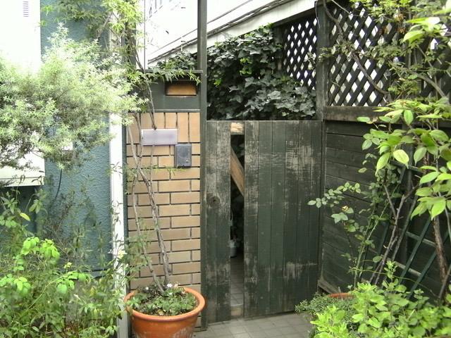 撤去前の木製扉