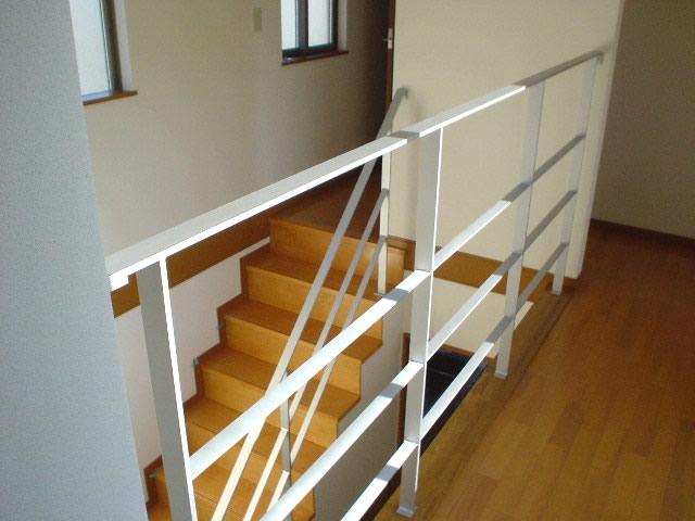 フラットバーで作る階段手摺と廊下手摺