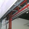 軽量鉄骨工事で、倉庫の入口の利便性をアップ