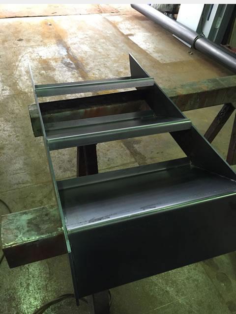 ミニ鉄骨階段を作る