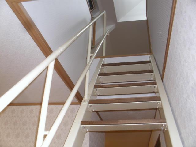 室内のタラップを鉄骨階段に交換