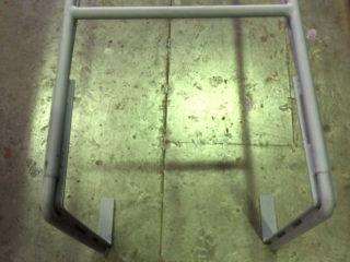 看板工事のハシゴを、あえて鉄で製作するプロの理由。