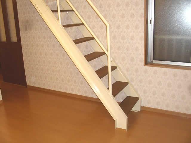 ロフト用の鉄骨階段
