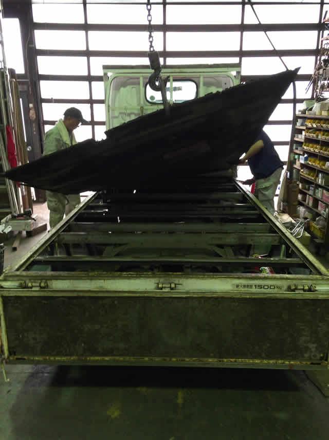 鉄工所でもできた!トラック荷台の腐食した床板を交換したよ!