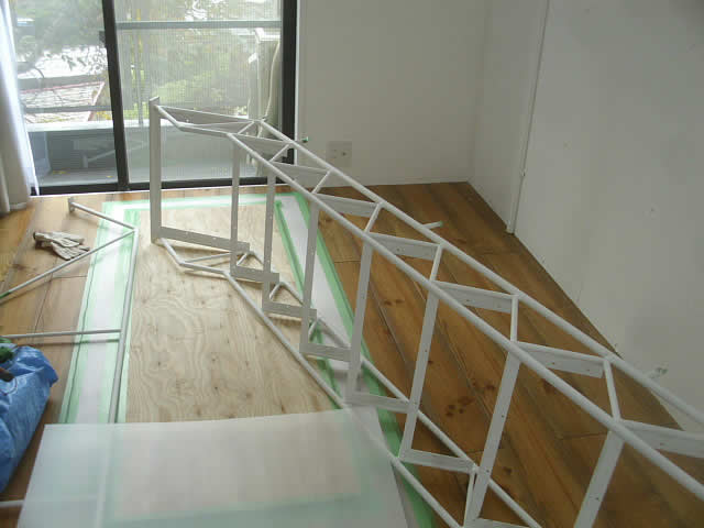 室内階段の現地搬入