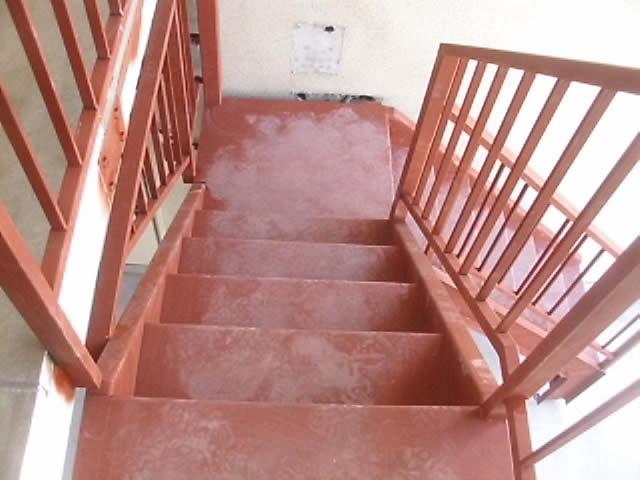 中折れ階段の踊り場