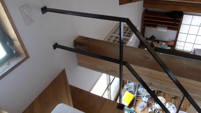 木製階段への手すりのビス固定2