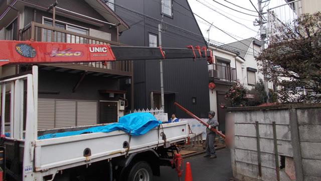 鉄骨階段の搬入作業