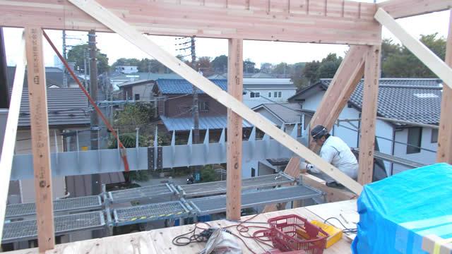 屋根垂木を受ける鉄骨母屋