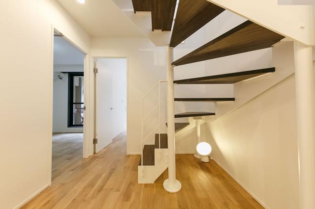 おしゃれな室内鉄骨階段